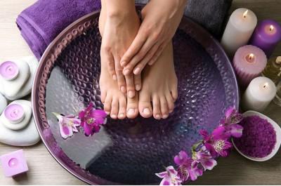 Klassikaline spa-pediküür (käte) geellakiga R.I.S ilusalongis.